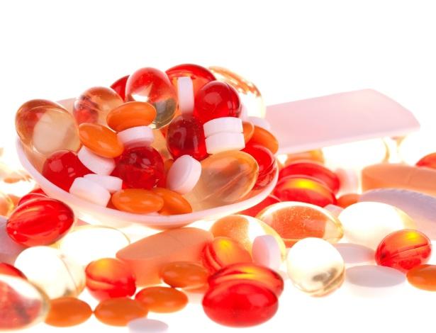 A Organização Mundial de Saúde estima que um terço da população faça uso diário de polivitamínicos - Thinkstock