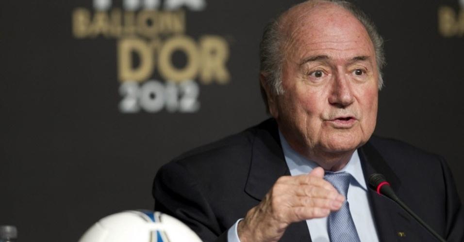 29.nov.2012 - Presidente da Fifa, Joseph Blatter, discursa em São Paulo durante anúncio dos indicados ao prêmio de melhor jogador do mundo em 2012