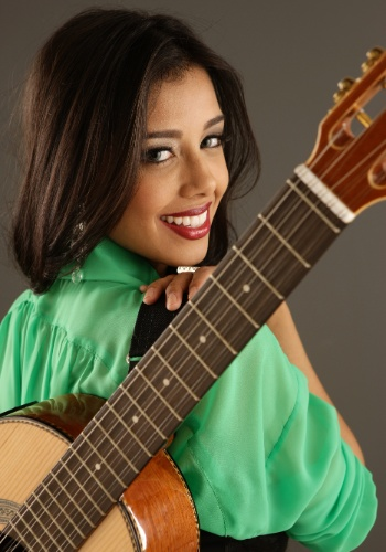 Camilla Castro, cantora