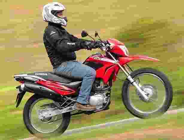Honda NXR Bros 150 - Doni Castilho/Infomoto