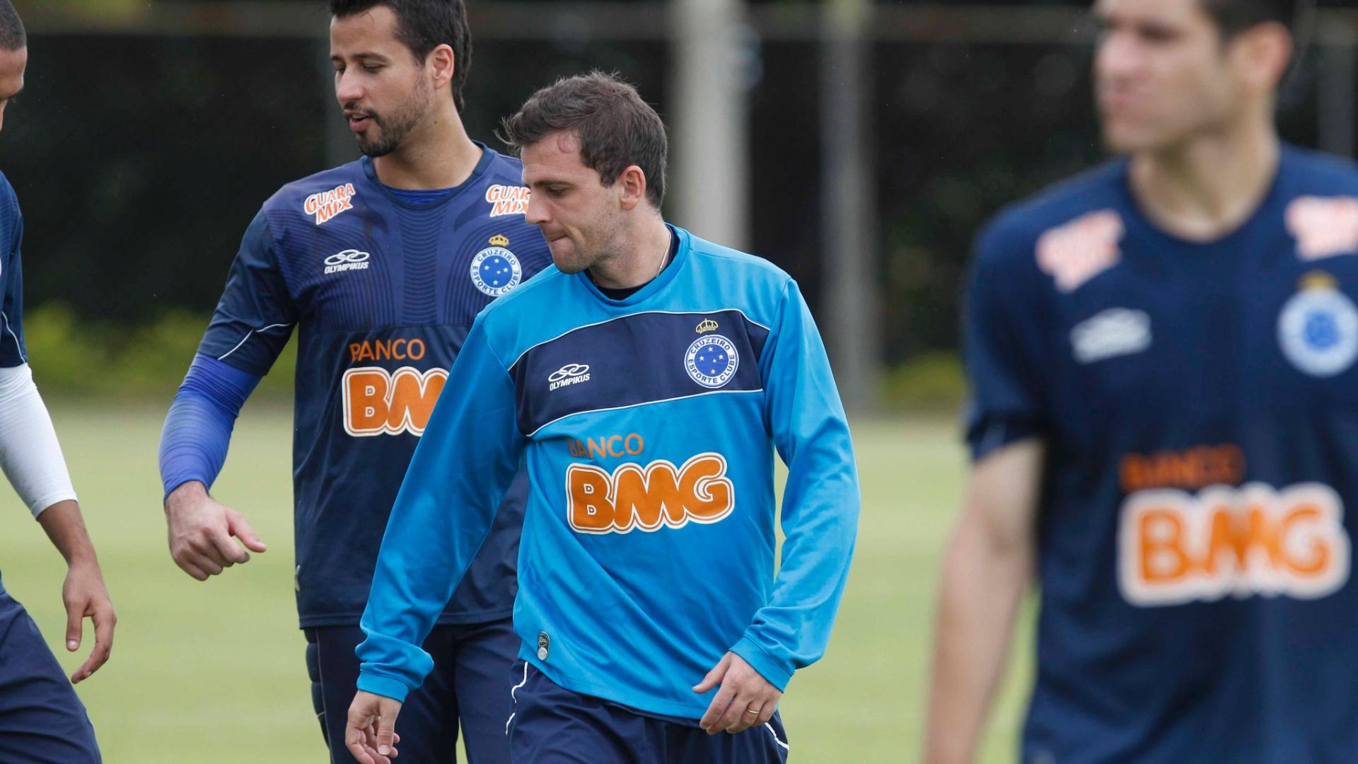 Montillo durante treino do Cruzeiro na Toca da Raposa II (29/11/2012)