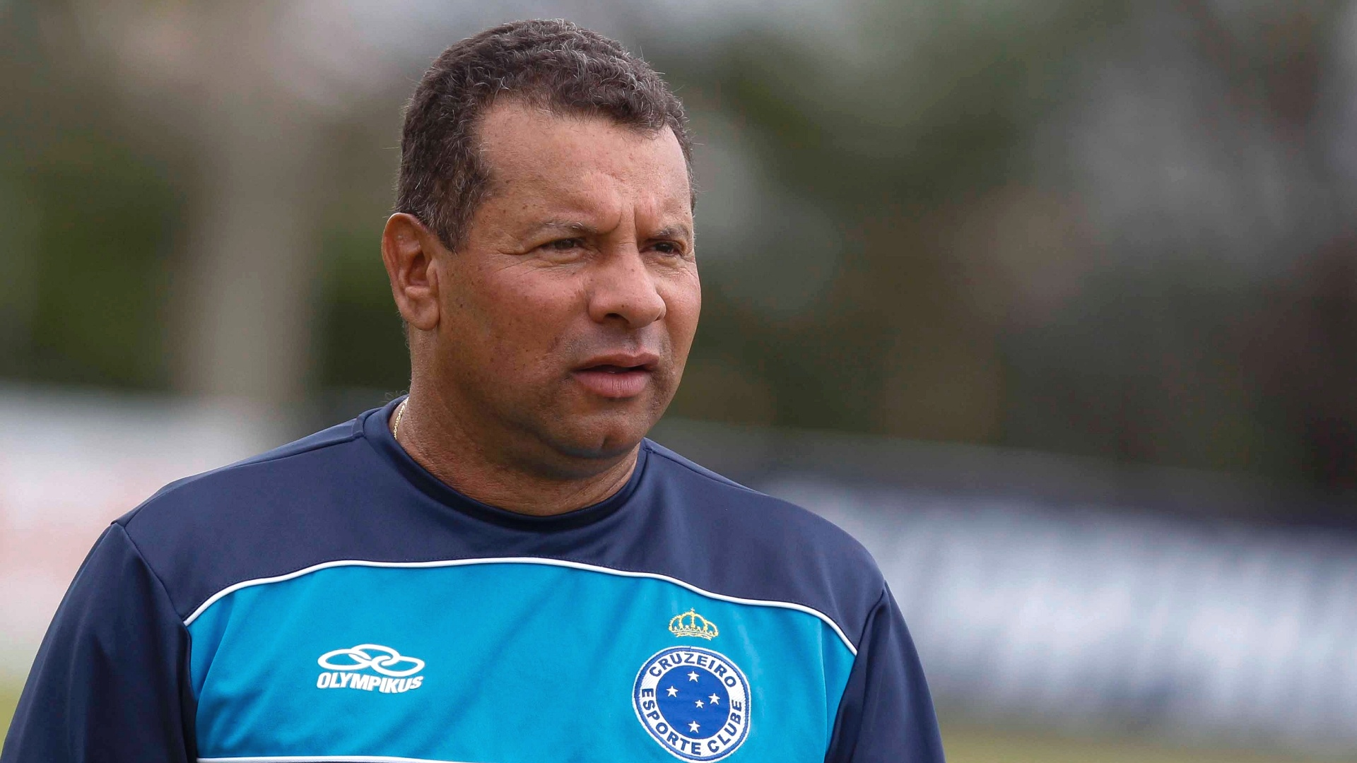Celso Roth comanda treino do Cruzeiro na Toca da Raposa II (28/11/2012)