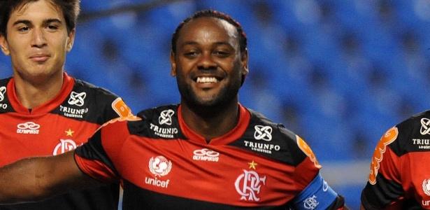 Vagner Love perdeu gols, mas foi um dos destaques do Flamengo em 2012