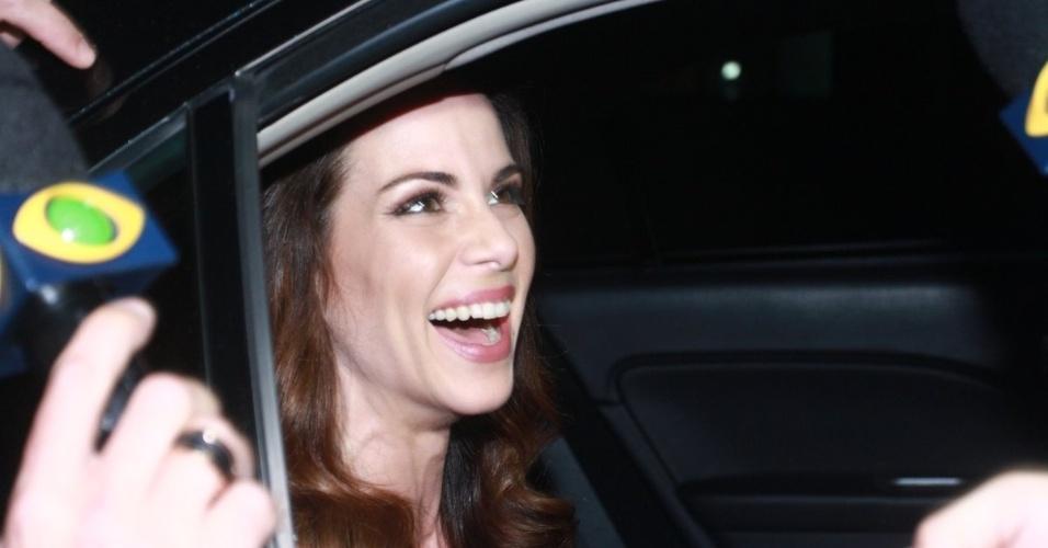 30.nov.2012 - Ana Furatdo chega no aniversário de 39 anos de Angélica na casa da apresentadora em São Conrado, Rio de Janeiro