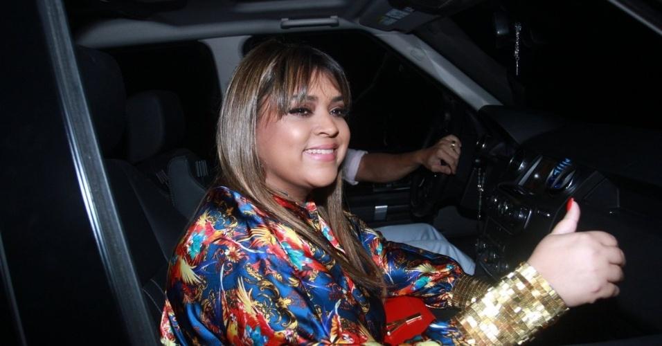 30.nov.2012 - Preta Gil chega no aniversário de 39 anos de Angélica na casa da apresentadora em São Conrado, Rio de Janeiro