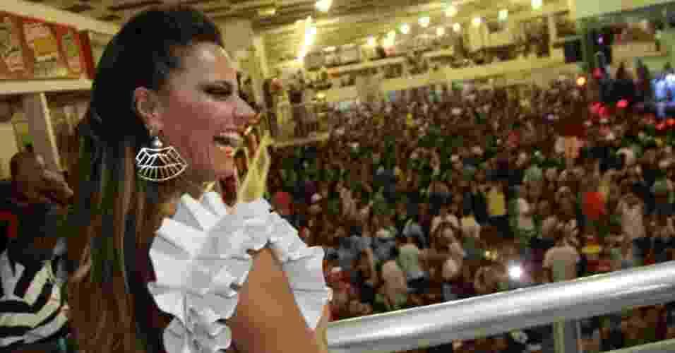 1.dez.2012: A rainha de bateria do Salgueiro, Viviane Araújo, participa do ensaio da escola de samba para o Carnaval 2013, em quadra na Tijuca, no Rio de Janeiro - AgNews