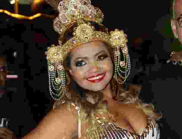 3.dez.2012 - A cantora Gaby Amarantos no lançamento do CD das Escolas de Samba do Rio para o Carnaval 2013, na Cidade do Samba, no Centro, Rio de Janeiro - Roberto Filho / AgNews