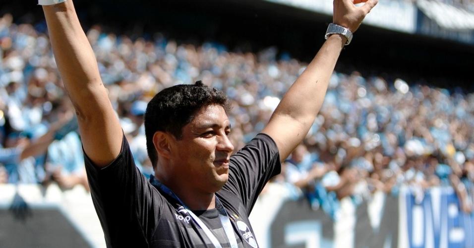 Ex-atacante Jardel é ovacionado pela torcida do Grêmio no Olímpico (02/12/012)
