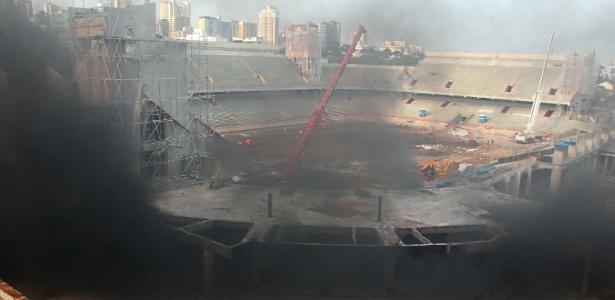 Explosão provoca incêndio na Arena da Baixada, em Curitiba: não houve feridos