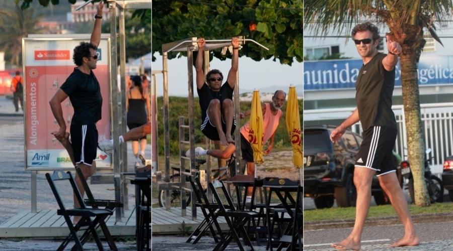 """4.dez.2012 - O ator Domingos Montagner se exercitou na orla da praia da Barra, zona oeste do Rio. Domingos está no ar em """"Salve Jorge"""""""