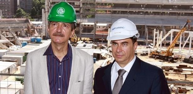O ex-ministro Aldo Rebelo posa para foto ao lado de Walter Torre Jr., presidente da construtora