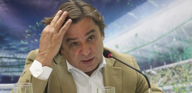 Arnaldo Tirone concede entrevista após visita de Aldo Rebelo à Nova Arena (04/12/12) - Moacyr Lopes Junior/Folhapress