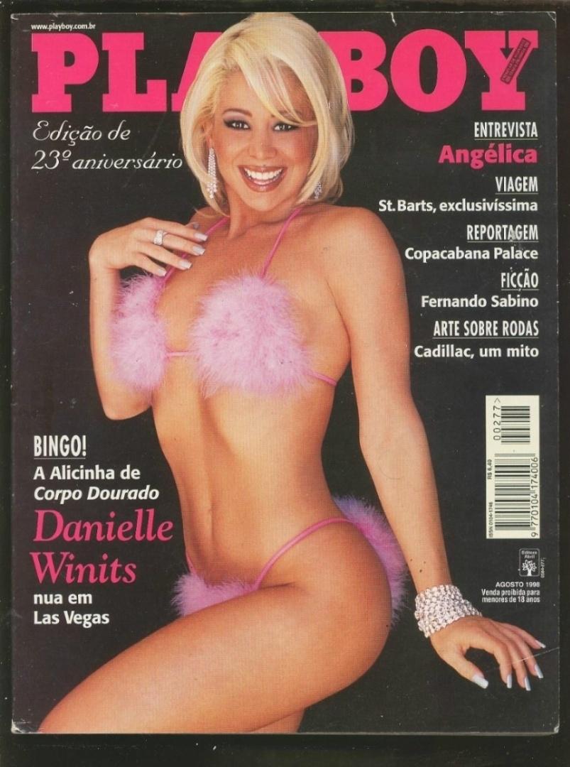 """Danielle Winits em capa da """"Playboy"""" de agosto de 1998. Na chamada de capa: """"Alicinha de 'Corpo Dourado' nua em Las Vegas"""""""