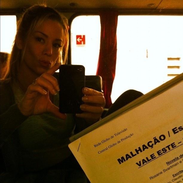 """No fim de 2012, a atriz voltou a fazer parte do elenco da novela teen """"Malhação"""". Winits fez parte do elenco em 2005, quando interpretou Melissa Brown"""