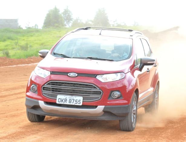 Novo EcoSport adota tração integral (4WD, na foto) e estreia câmbio de dupla embreagem