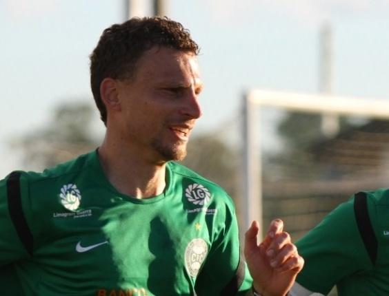 Zagueiro Cleiton deixou o Coritiba e acertou com o Ceará para a temporada 2013