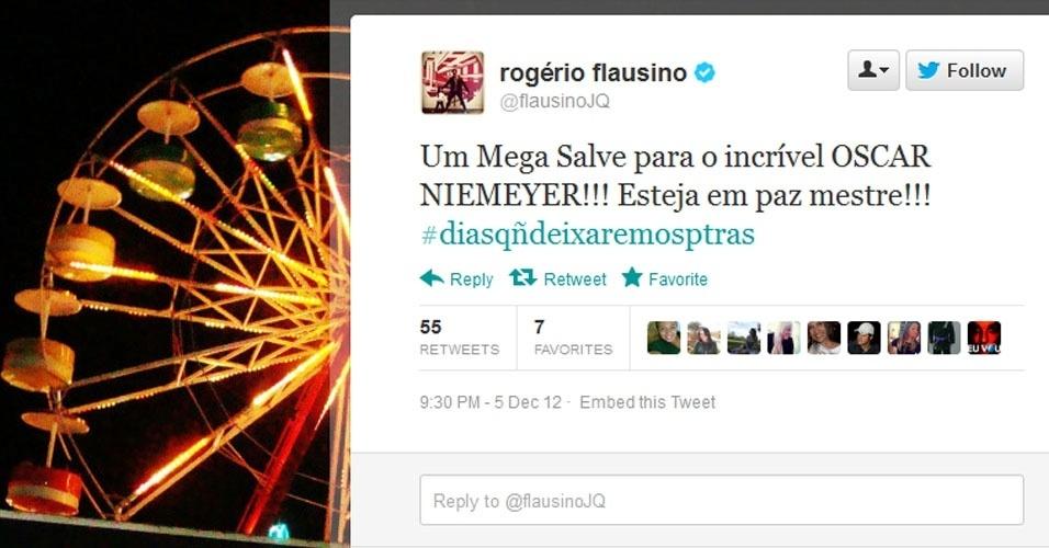 5.dez.2012 - O cantor Rogério Flausino repercurte a notícia da morte do arquiteto Oscar Niemeyer no Twitter