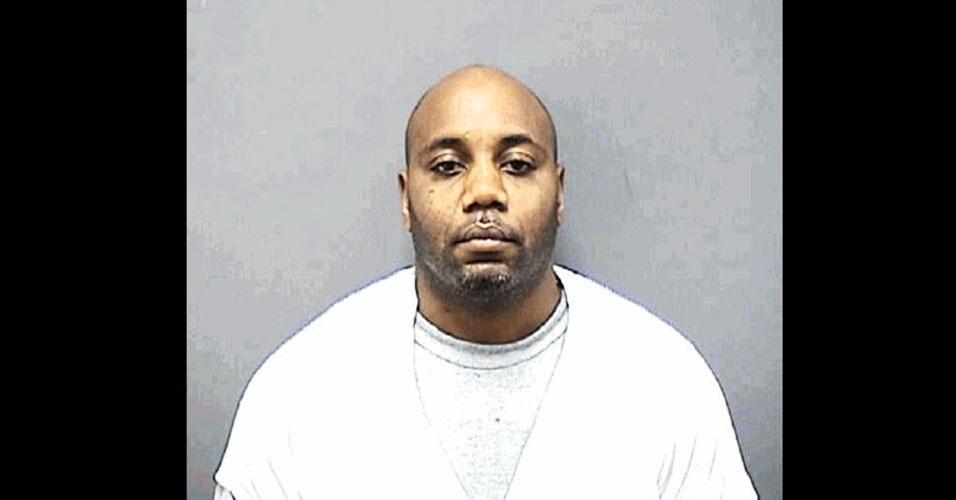 Corey Curtis, 44, que teve nove filhos com seis mulheres