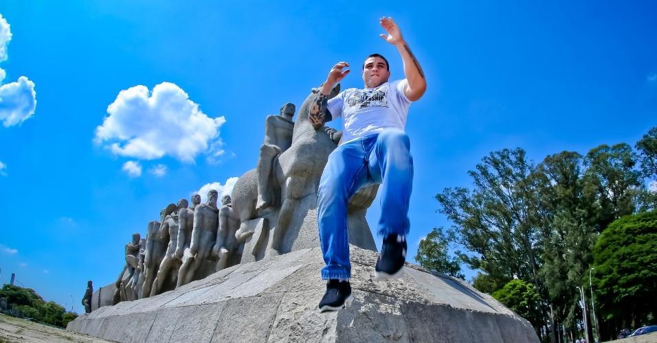Daniel Sarafian participa de sessão de fotos em São Paulo, antes do UFC de 19 de janeiro