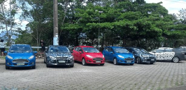 """Nova """"família"""" da Ford é vista em Ubatuba (SP): New Fiesta com frente à la Fusion e novo Focus"""