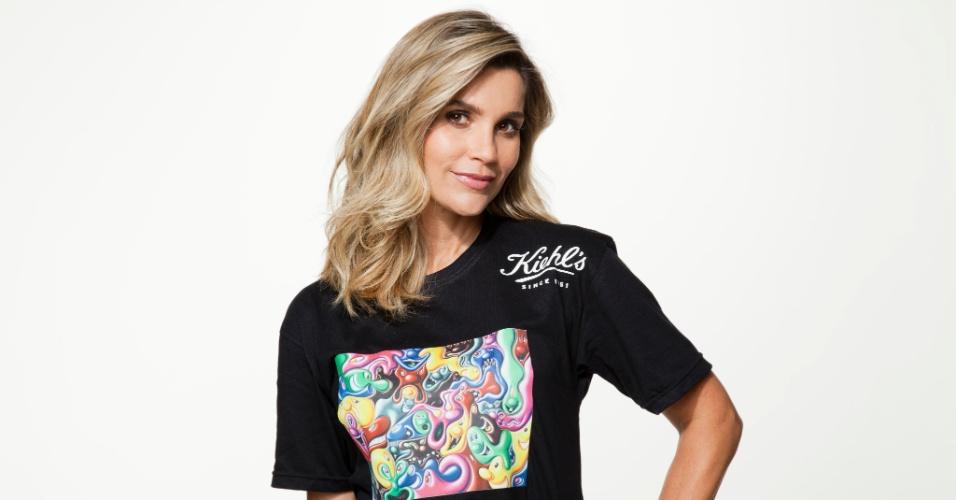 6.dez.2012 - A atriz Flávia Alessandra posou para uma campanha beneficente que tem por objetivo ajudar crianças portadoras do vírus HIV