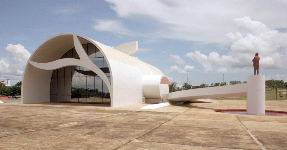 6.dez.2012 - O Memorial Coluna Prestes, em Palmas (TO), projetado por Oscar Niemeyer, foi inaugurado em 5 de outubro de 2001