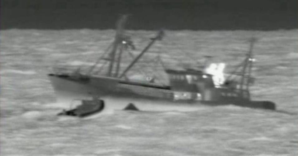 6.dez.2012 - O naufrágio de um cargueiro no mar do Norte deixou quatro mortos e sete desaparecidos, após a colisão de dois navios, informou a Guarda Costeira da Holanda