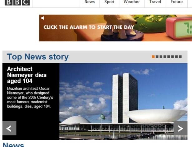Home page do site da BBC na noite de 5.dez.2012, destacando a morte do arquiteto brasileiro Oscar Niemeyer