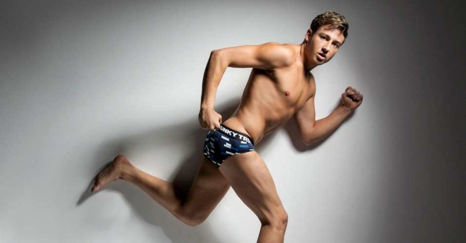 Nov.2012 - Campeão olímpico de saltos ornamentais em 2008 e um dos poucos atletas a se assumir gay durante a carreira esportiva, o australiano Matthew Mitcham posou para a nova campanha da Funky Trunks, marca de cuecas, sungas e acessórios masculinos