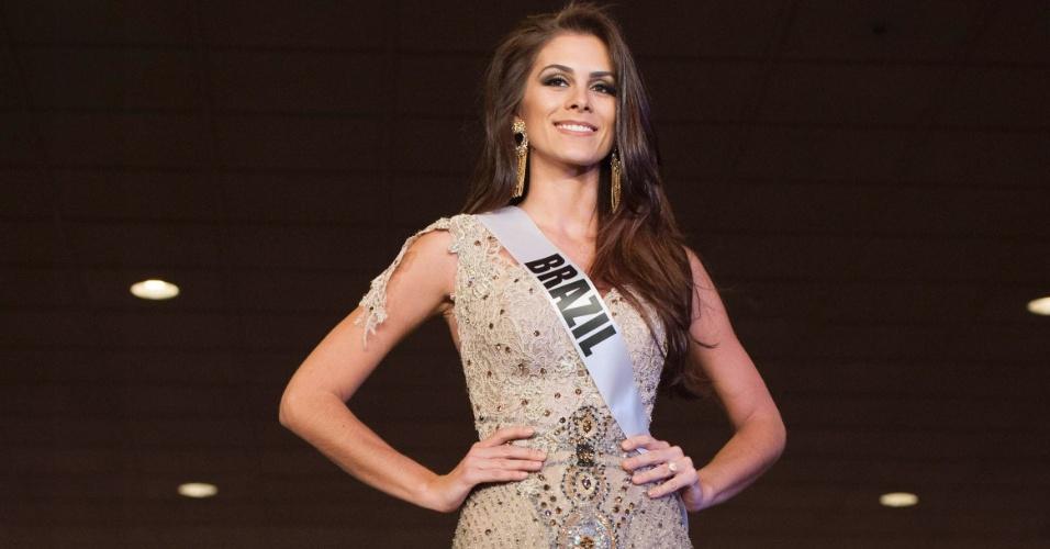 6.dez.2012 - A miss Brasil 2012, a lindíssima Gabriela Markus, prova que ninguém desfila como uma brasileira (já virei torcedor) em evento no hotel Bally's, em Las Vegas, nos Estados Unidos. O Miss Universo 2012 vai acontecer no próximo dia 19 de dezembro
