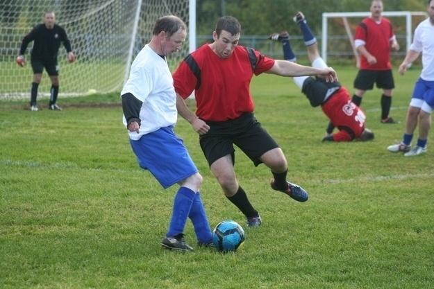 7.dez.2012 - 26 - O timing perfeito para o jogador cair ao fundo da fotografia