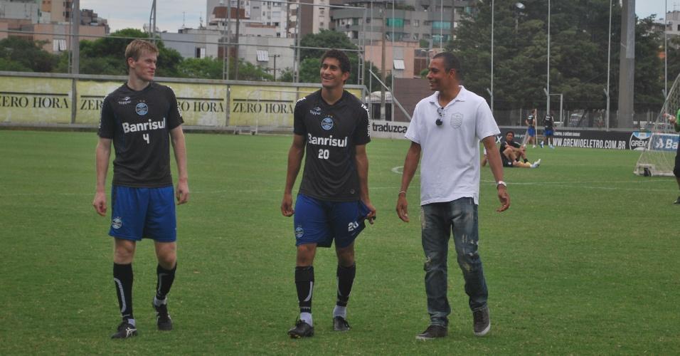 Gilberto Silva se despede de ex-colegas de Grêmio e vai para o Atlético-MG