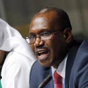 Hamadoun Toure, secretário-geral da União Internacional de Telecomunicações, fala à imprensa durante a Conferência Mundial de Telecomunicações Internacionais, que ocorre até 14 de dezembro em Dubai - Karim Sahib/AFP
