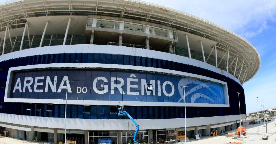Letreiro pronto da Arena do Grêmio, para inauguração neste sábado