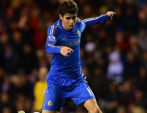 08.dez.2012 - Oscar, meia brasileiro do Chelsea, começou a partida contra o Sunderland no banco e pouco fez quando entrou