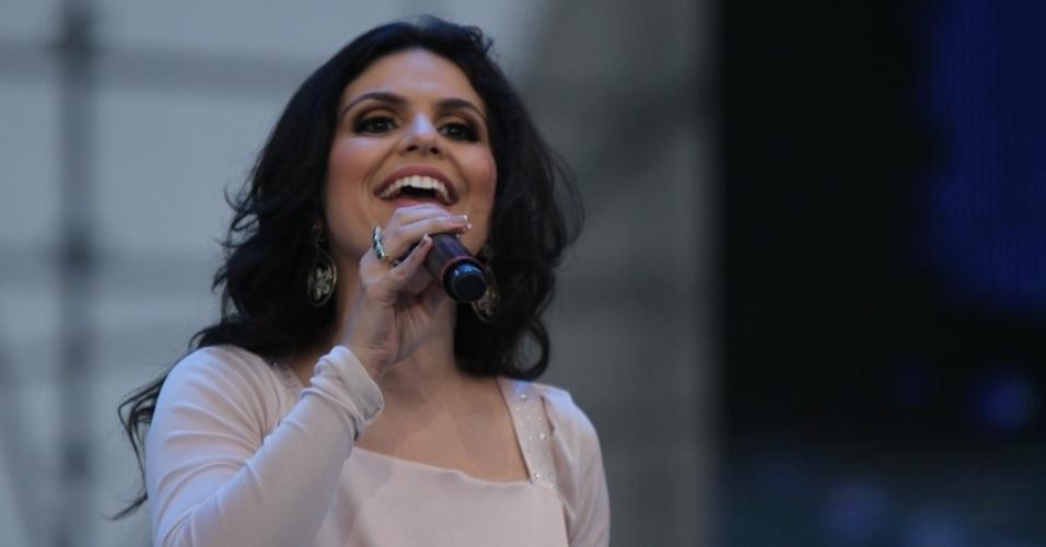 Aline Barros canta no Festival Promessas