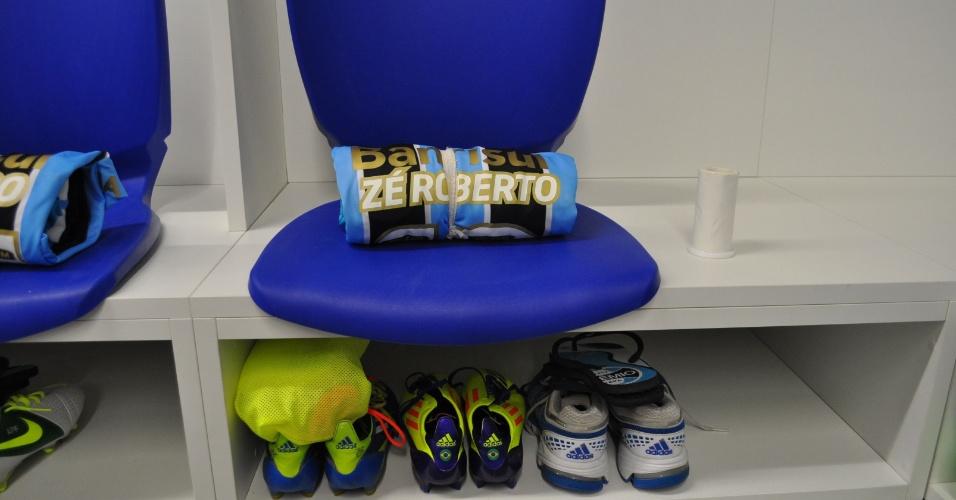 Camisa do Grêmio para o primeiro jogo na Arena terá detalhes em dourado (08/12/12)