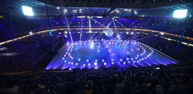 Cerimônia teve hino gaúcho, show do Blue Man e homenagem aos ex-atletas