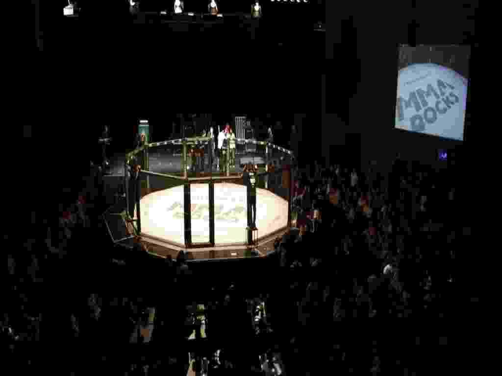 MMA com CPM22 e stand up - Taiz Dering/HSBC Brasil