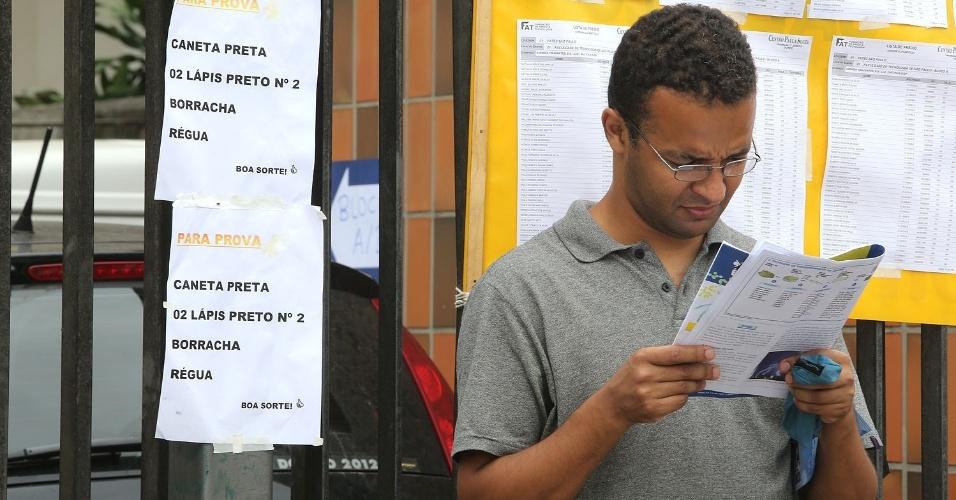 Os candidatos que disputam as 12.315 vagas abertas nas Fatecs (Faculdades de Tecnologia do Estado de São Paulo) prestam neste domingo (9) o vestibular da instituição para o 1º semestre de 2013