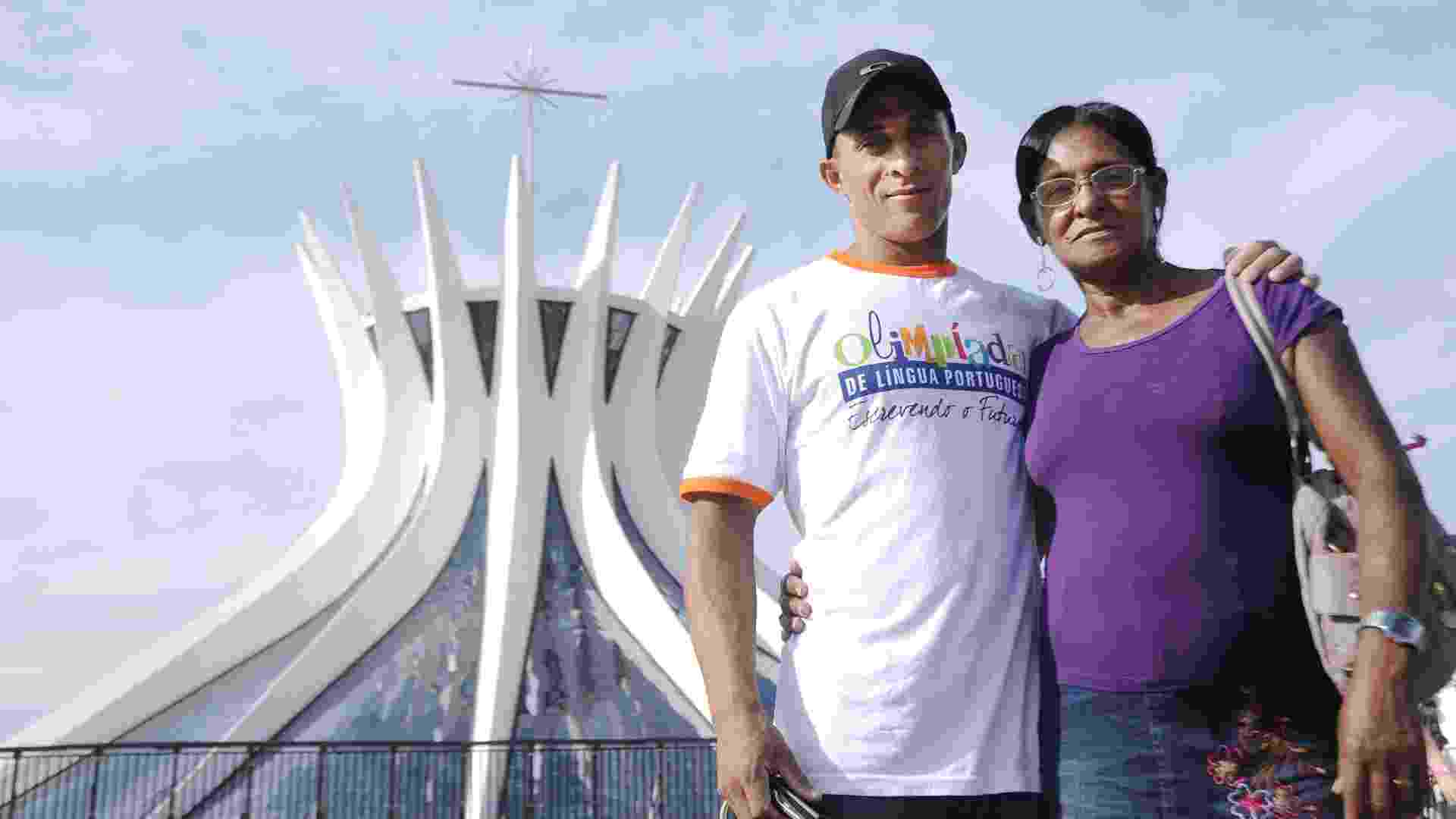 Com um artigo sobre a migração nordestina para o Paraná, Sineudo dos Santos de 23 anos foi um dos finalistas da Olimpíada de Língua Portuguesa - Pedro Ventura/UOL