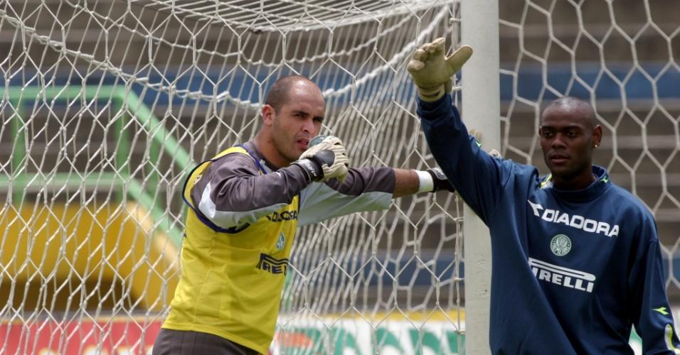 Marcos ficou na Série B no Palmeiras ao lado da revelação Vagner Love