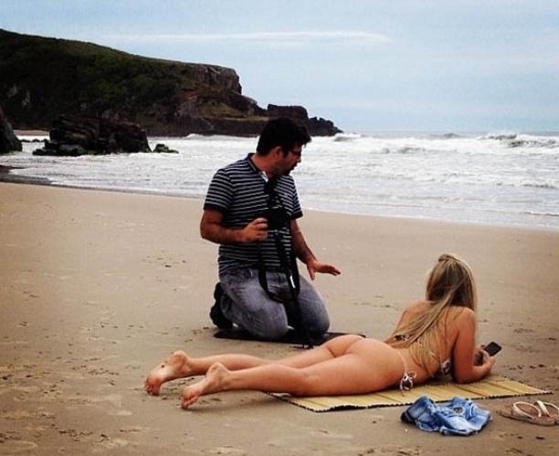 11.dez.2012 - A ex-BBB Renata Dávila publicou no Instagram uma foto de um ensaio fotográfico na praia.