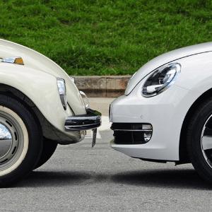 Volkswagen Fusca 2013 respeita nostalgia mesmo andando como
