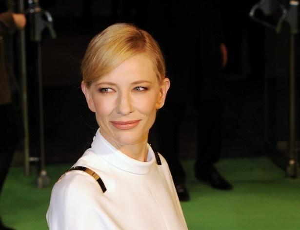 12.dez.2012 - A atriz Cate Blanchett na pré-estreia de