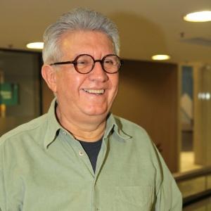 1.abr.2012 - O dramaturgo Naum Alves de Souza - Greg Salibian/Folhapress