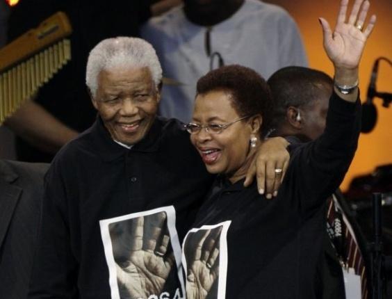 27.jun.2008 - Mandela participa de evento para arrecadar dinheiro para sua fundação de combate à Aids