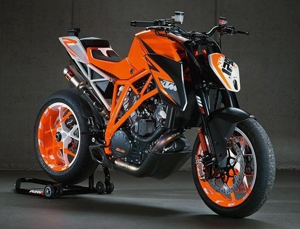 Para acabar com especulações, a KTM confirmou a produção da 1290 Super Duke R para 2013 - Divulgação