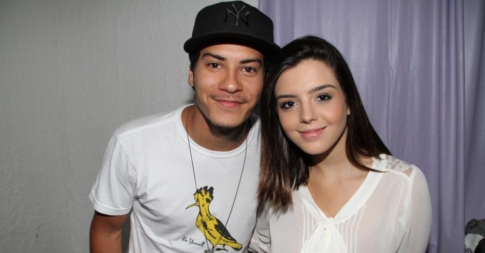 12.dez.2012 - Arthur Aguiar e Giovanna Lancelotti na festa de aniversário de Micael Borges, em casa de shows no Morro do Vidigal, no Rio de Janeiro