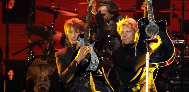 Com Guitarrista Fora Da Turn Jon Bon Jovi Nega Briga Por Dinheiro 10 04 2013 Uol